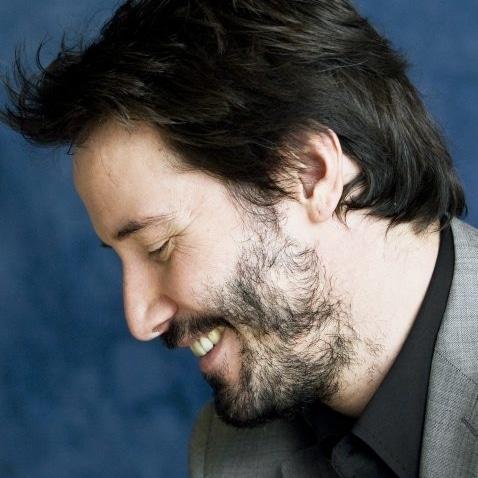 barbe peu dense