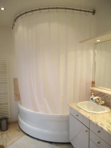 barre d angle de baignoire