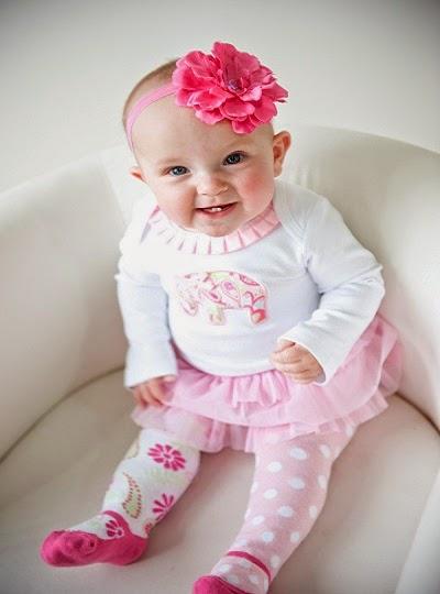 bébé fille 8 mois