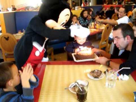 café mickey anniversaire