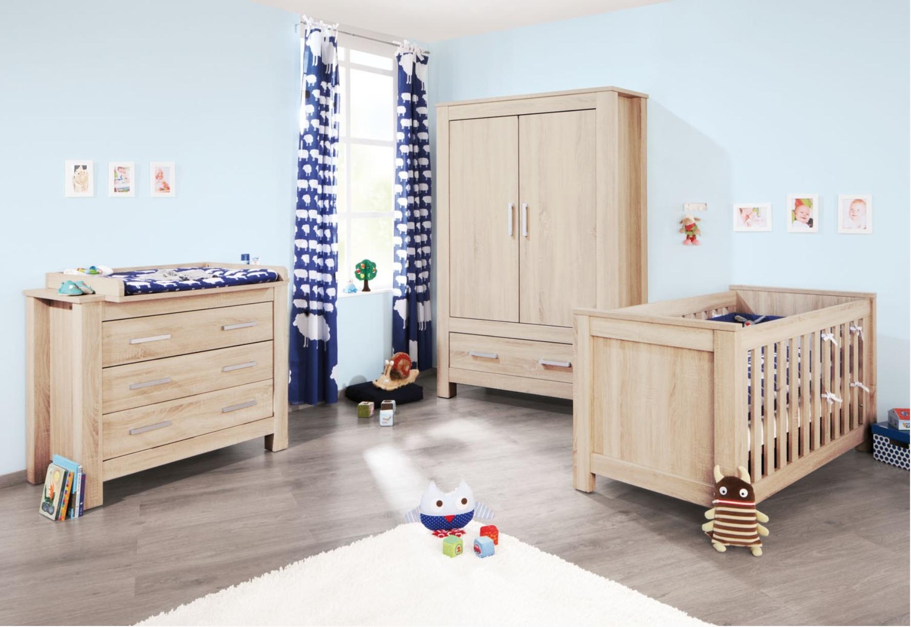 chambre bébé bois clair