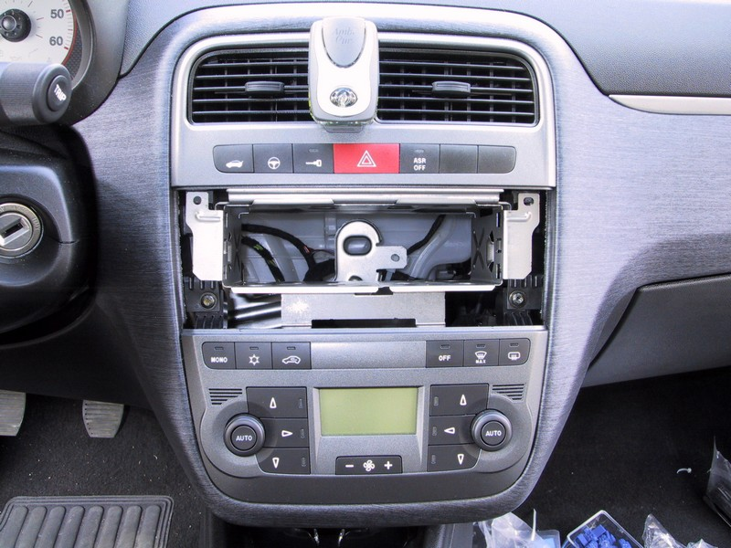 changer autoradio fiat punto