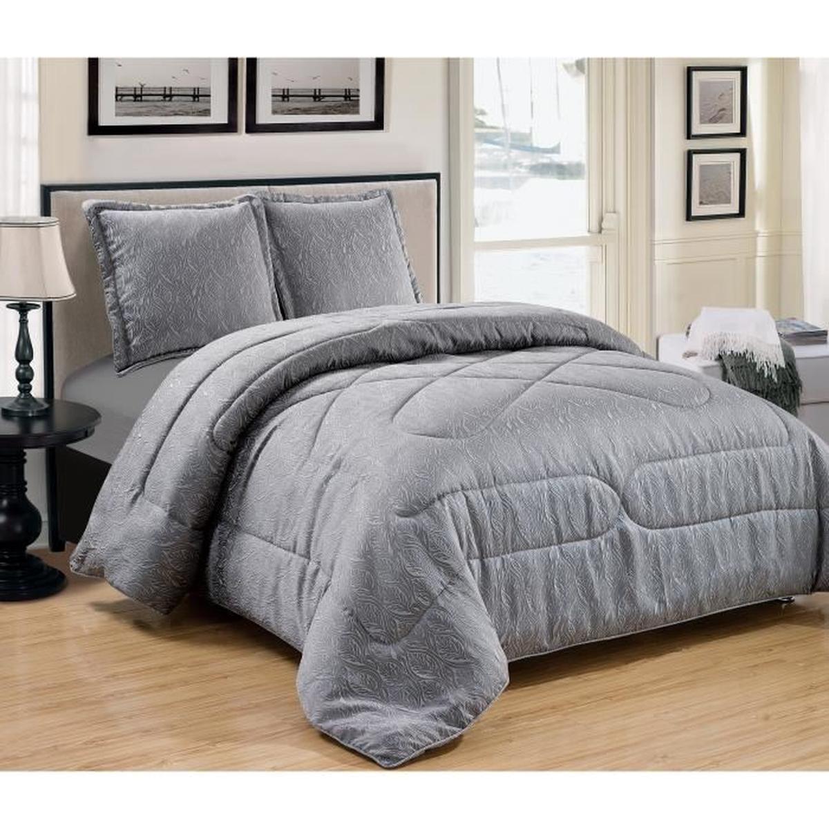 couvre lit matelassé gris