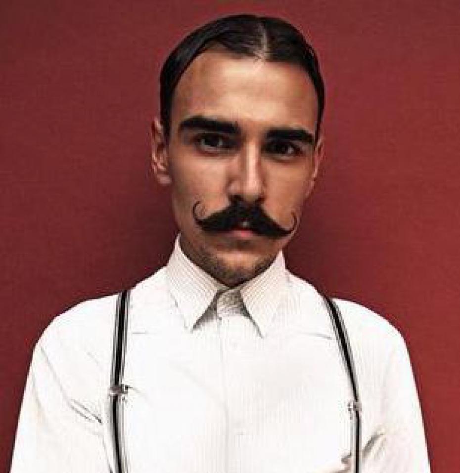 entretien moustache