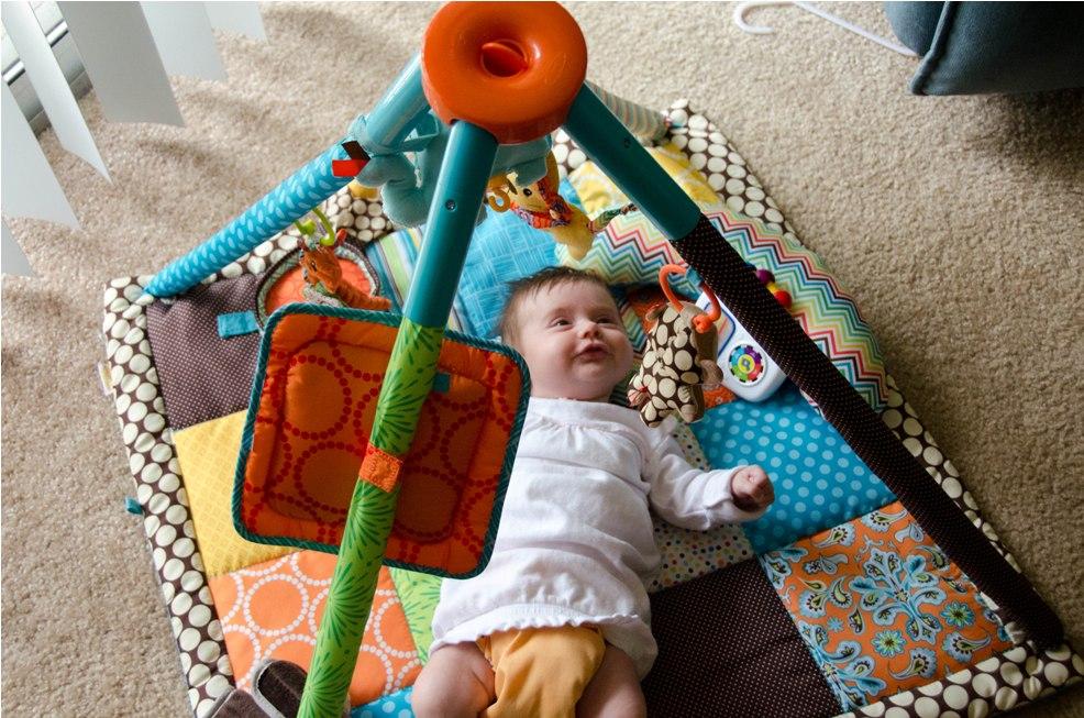 eveil bebe 3 mois