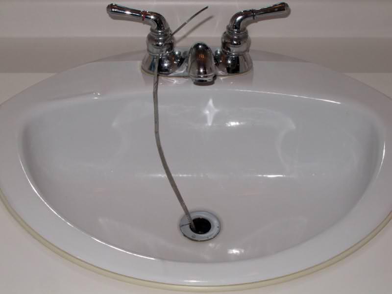 evier salle de bain bouché