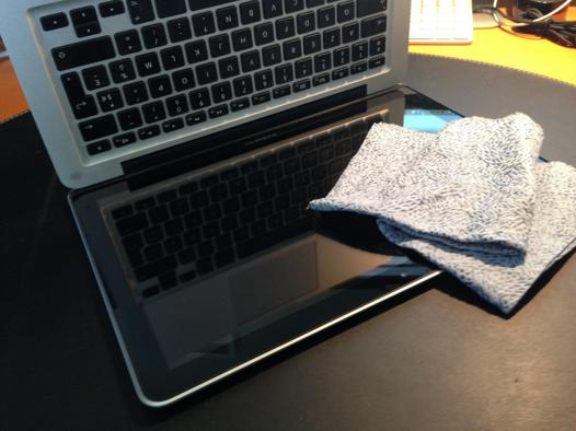 nettoyer ecran macbook