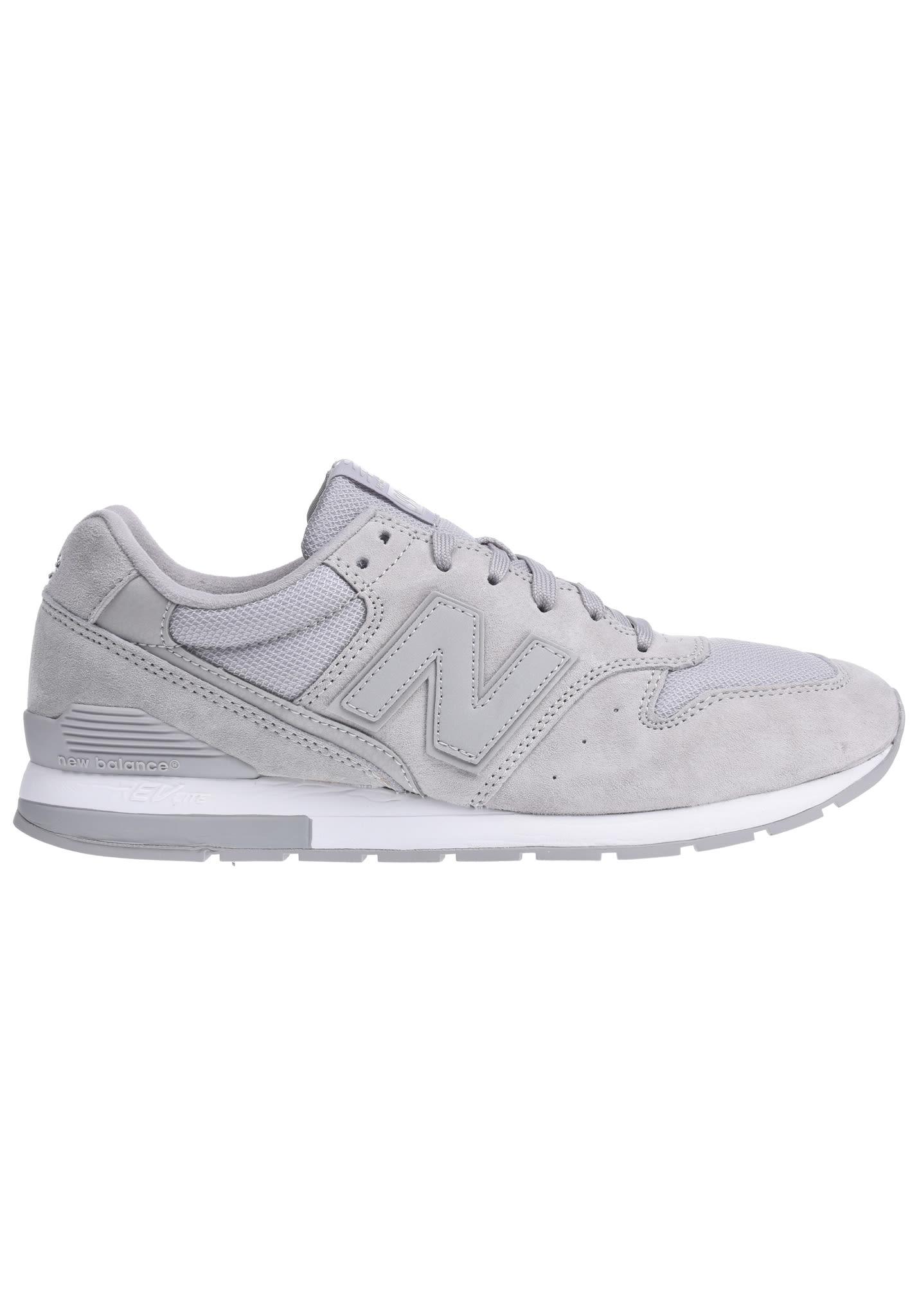 new balance grise