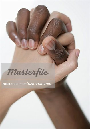 photos de mains entrelacées