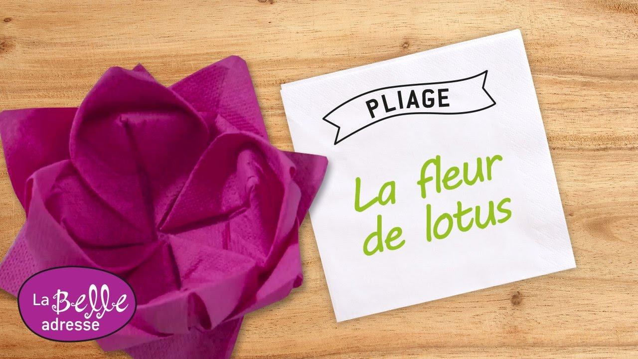 pliage de serviette en papier fleur