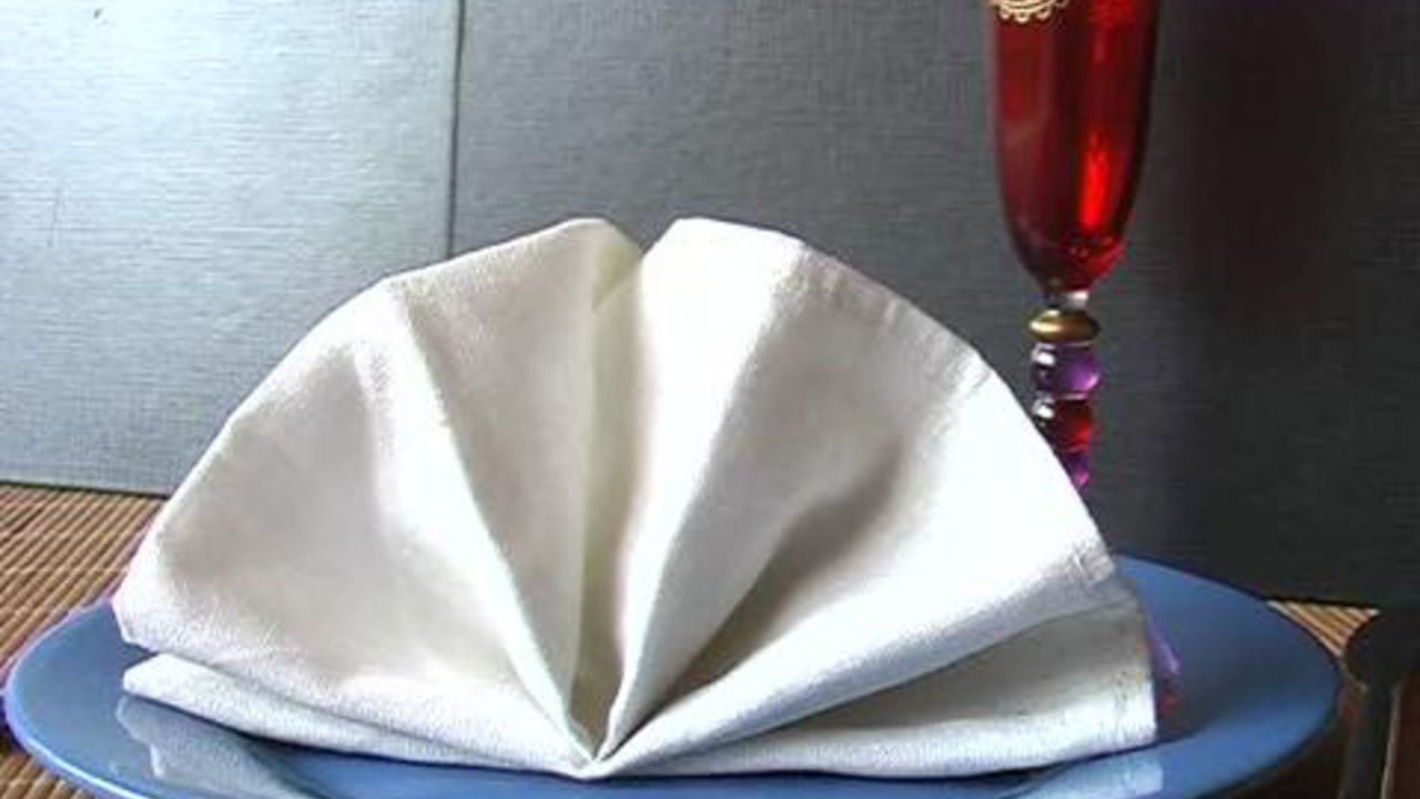 pliage serviette de table