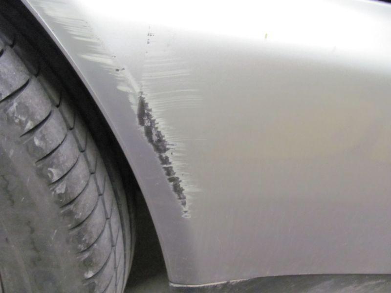retouche peinture auto bombe