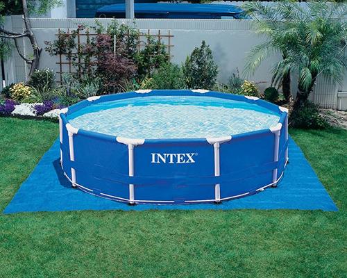 tapis de sol sous piscine hors sol