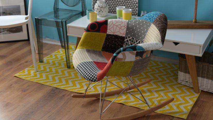 tapis jaune et blanc