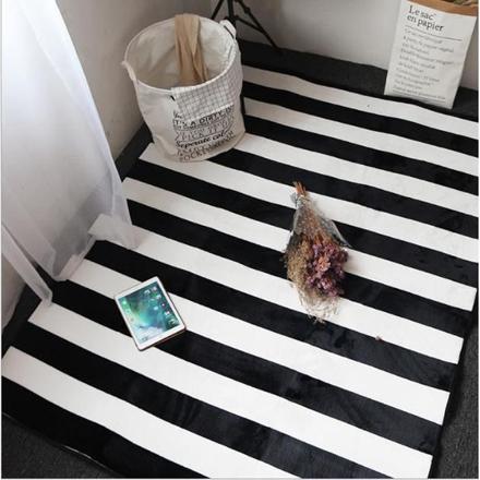 tapis raye noir blanc